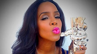 Kelly Rowland Talks Competing With Beyonce at MTV VMAs
