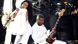 Usher Bounces His Head on Nicki Minaj's Butt at the 2014 MTV VMAs: GIF