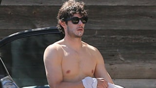 Adam Brody Strips Out of Wetsuit: See His Hot Shirtless Body!