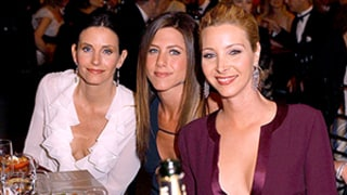 Jennifer Aniston, Courteney Cox, Lisa Kudrow Dine Out After Friends' 20th Anniversary
