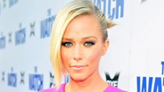 Kendra Wilkinson Reveals Marital Status to Hank Baskett: