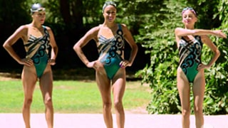Nicole Richie Attempts Synchronized Swimming on Candidly Nicole, Is a Fish Out of Water: See the Pictures!