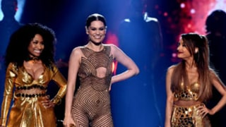 Khloe Kardashian Grinds with Jessie J, Taylor Swift at the 2014 AMAs: Watch!