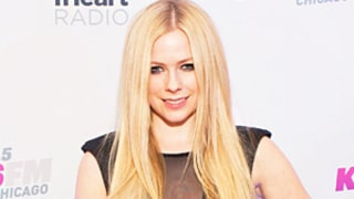 Avril Lavigne Suffering Undisclosed Health Problems, Asks for Prayers