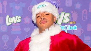Celeb Sightings: Donald Faison Suits Up As Santa Claus!
