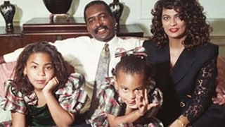 Solange, Beyonce, Matthew, and Tina Knowles Stun in Hilarious Throwback Family Holiday Photos