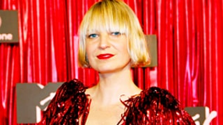 Sia Apologizes After