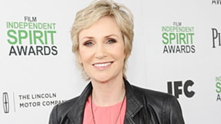 Jane Lynch First Cast as Phoebe on Friends? Glee Star Talks Lisa Kudrow Rumor