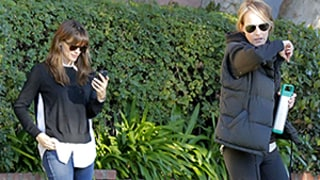Jennifer Garner, Helen Hunt Cross Paths, Ignore Each Other? Photos