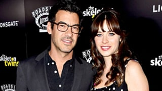 Pregnant Zooey Deschanel Engaged to Jacob Pechenik!