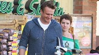 Jason Segel Dating Photographer Alexis Mixter: Photo, Details!