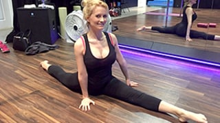 Holly Madison Does The Splits in Leggings: See Her Off-Duty Mom Style!