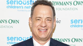 Tom Hanks Helps Sell Girl Scout Cookies, Is Simply the Best: Photo