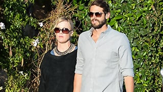 Jennie Garth, Fiance David Abrams Get Affectionate After Returning From Mexico: Is That Her Engagement Ring?