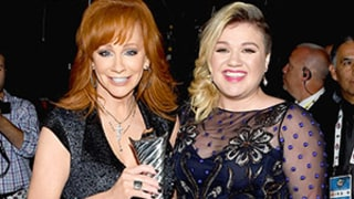 Kelly Clarkson Introduces Mother-in-Law Reba McEntire at the 2015 ACMs by Telling People to