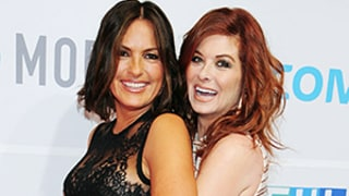 Debra Messing Grabs Mariska Hargitay's Butt on Red Carpet: Funny Photos!