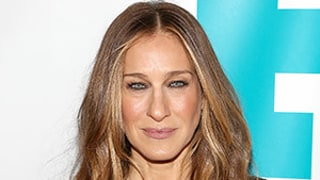 Sarah Jessica Parker Helps Us Weekly's Fashion Director Search for Missing Earring: Get the Real Story!