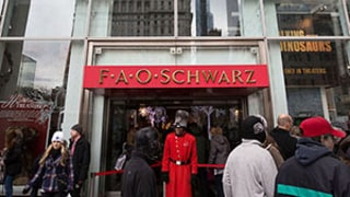 F.A.O. Schwarz Toy Store on Fifth Avenue in NYC Is Closing: Details