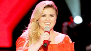 Kelly Clarkson Completely Nails Rihanna's
