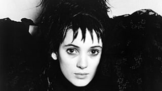 Winona Ryder: I Get Held Up at Airport Security Because of Beetlejuice!