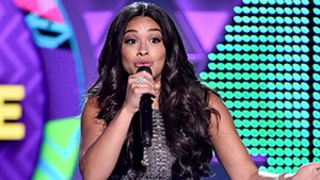 Gina Rodriguez Reveals Secret Talent for Rapping at 2015 Teen Choice Awards: Video