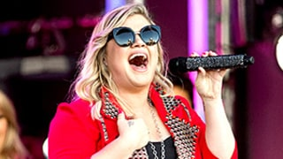 Kelly Clarkson Sings Five Outrageous Tinder Profiles on Jimmy Kimmel Live: Watch the Video!