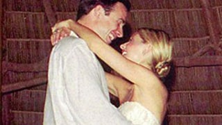 Sarah Michelle Gellar Shares Sweet Wedding Pic on 13th Anniversary with Freddie Prinze Jr.