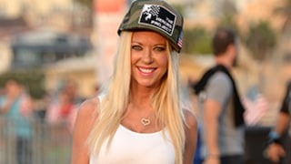 Tara Reid Shows Off Her Stomach in a Crop Top 11 Years After Botched Plastic Surgery: Photo