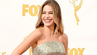 Sofia Vergara Eats Popcorn Behind Jon Hamm at Emmys 2015 (and Drops It All Over Herself): See the GIF