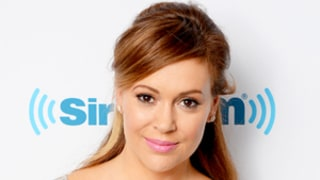 Alyssa Milano in Tears as She Talks About Danny Pintauro's