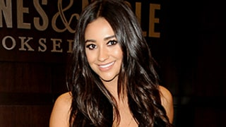 Shay Mitchell: What I'm Reading