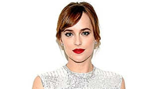 How Dakota Johnson Kept Her Red Lip From Overwhelming Her Whole Beauty Look