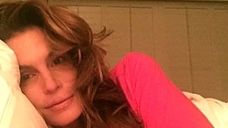 Cindy Crawford, 49, Goes Without Makeup in New Selfie: See Her Youthful Skin