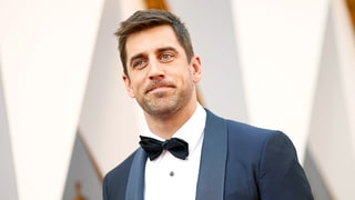 Aaron Rodgers Shuts Down the Chicago Bears After Team Mocks His Oscars 2016 Outfit: See His Perfect Retweet