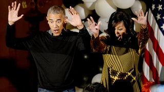 President Barack and Michelle Obama Dance to Michael Jackson's 'Thriller' on Halloween, Are the Coolest Parents Ever: Watch!