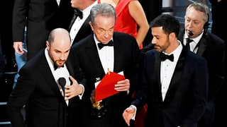 Twitter Reacts to the 'Moonlight' and 'La La Land' Best Picture Oscars 2017 Mixup