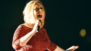 Adele Suffers Technical Difficulties