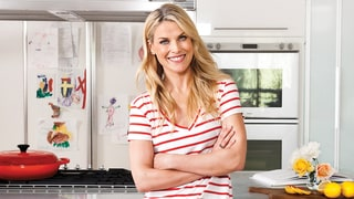 Ali Larter Shows Us How to Make an Easy Appetizer: Lump Crab In Lettuce Cups