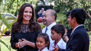 Angelina Jolie Takes All Six Kids to Meet the King of Cambodia: Photos