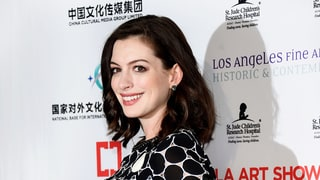 Pregnant Anne Hathaway Makes Her Red Carpet Debut
