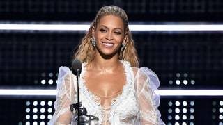 Beyonce Accepted an Award in a Wedding Dress at the 2016 MTV Video Music Awards