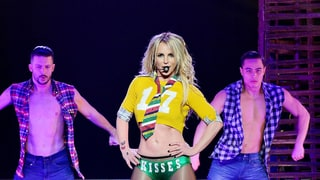 Britney Spears Looks Amazing in Bright Green Swimsuit: Pics