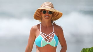 Britney Spears Will Have the Weirdest Cleavage Tan Lines Ever After This Vacation