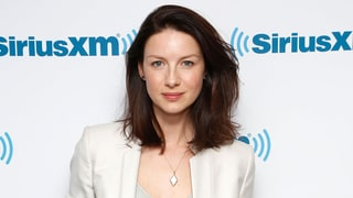 Caitriona Balfe Always Carries These Two Makeup Items for On-the-Go Touch-Ups