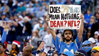 'Betrayed' Chargers Fan Raises Over $10,000 For Anti-NFL Billboards