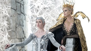 'The Huntsman: Winter's War' Review: Charlize Theron, Emily Blunt and Jessica Chastain Flail in a 'Fairy-Tale Fail'