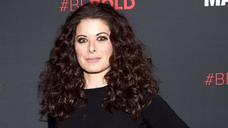 Debra Messing Says Director Alfonso Arau Demeaned Her During Nude Scene for 'A Walk in the Clouds'