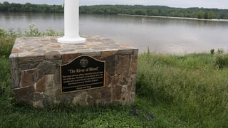 Donald Trump's Golf Course Plaque Honors Fake Civil War Battle