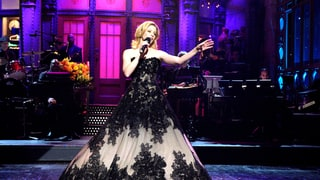 Elizabeth Banks Opens SNL in a Showstopping Ball Gown: All the Details