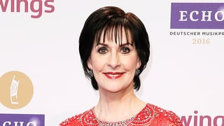 Reclusive Enya 'Lives Like a Queen' in a Castle With Her Cats, New Report Claims